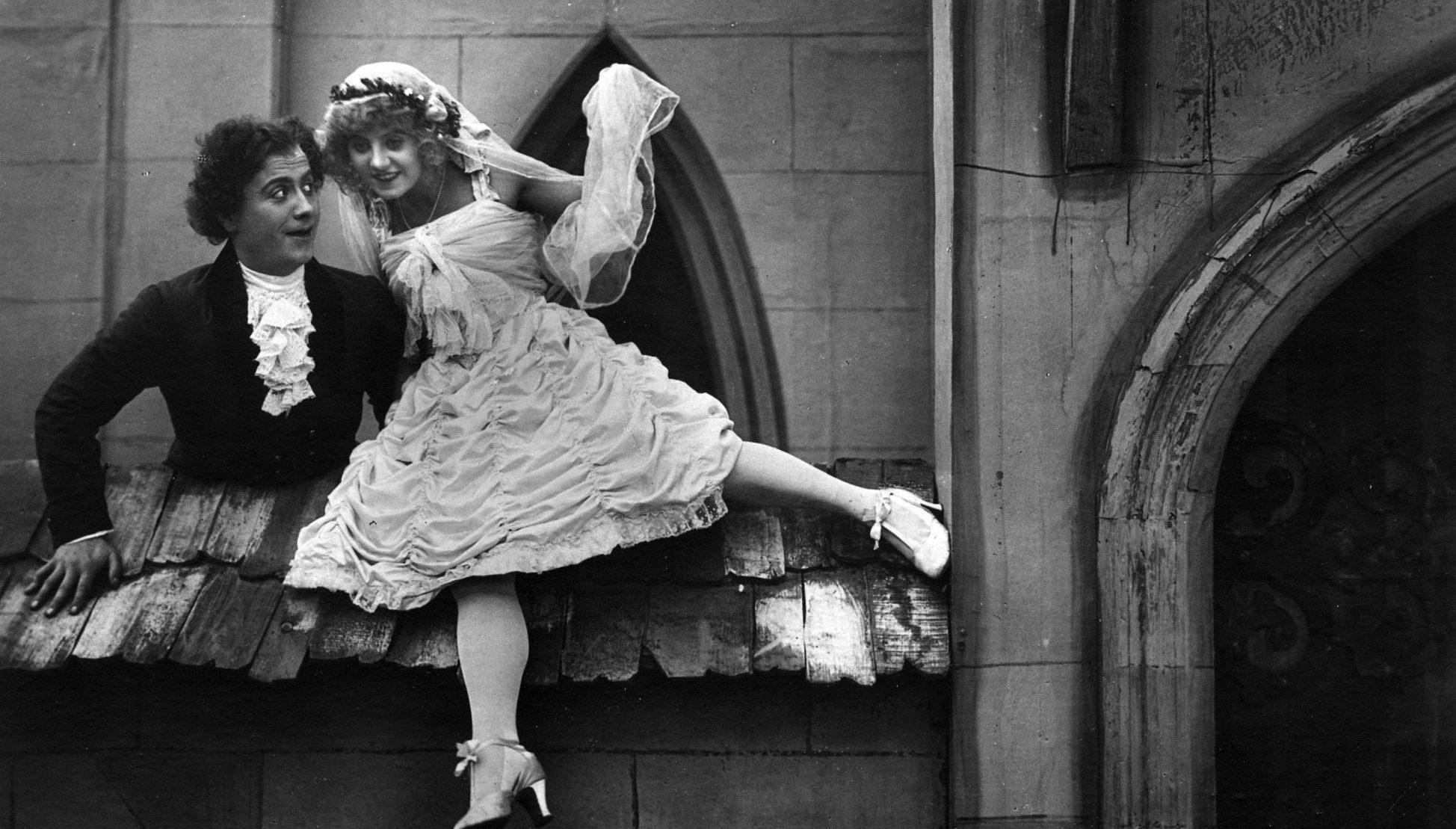 Filmszene aus Die Puppe (1919)